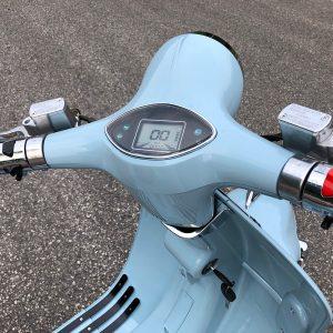 Scooter-bleu-2